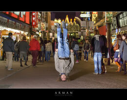 shibuya headstand